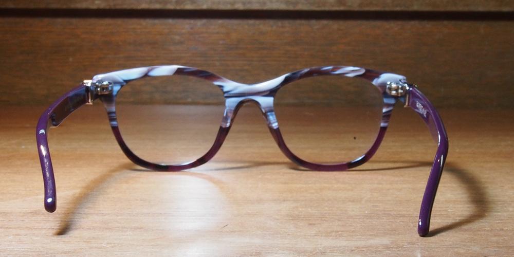 メガネが斜めになる